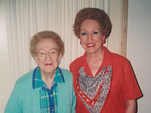 Photo of Legacy Society member Dottie Boyd with her mom, Naomi Graves